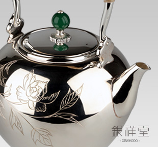 Silver Kettle 4.5sun oval shape with peony, antique color