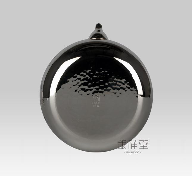 銀瓶 600cc桃型銀仕上梅彫金