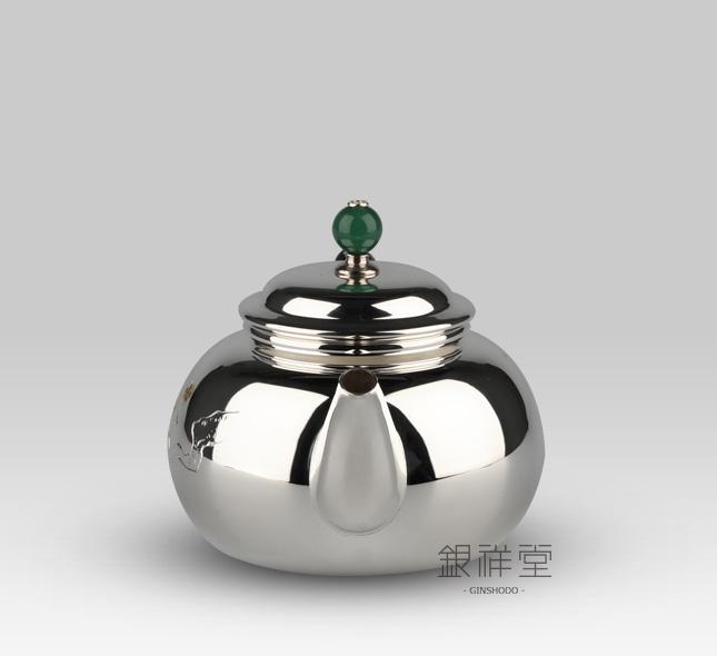 銀急須 烏龍茶220cc桃型銀仕上梅彫金金彩仕上