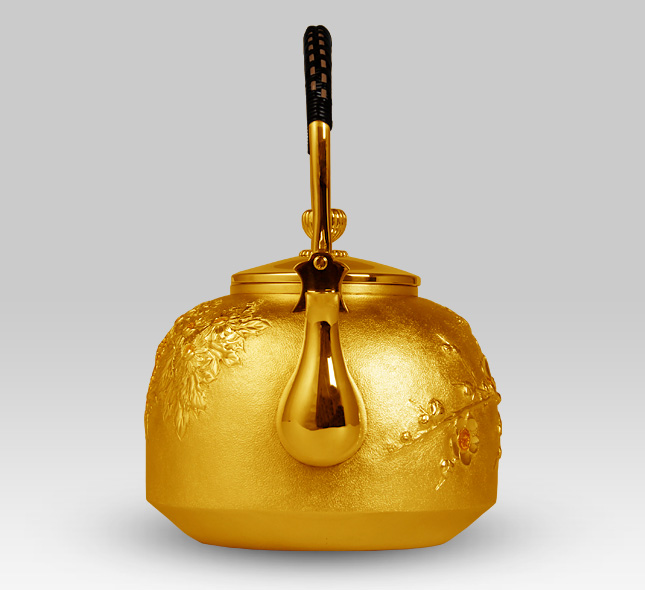 金瓶 牡丹模様